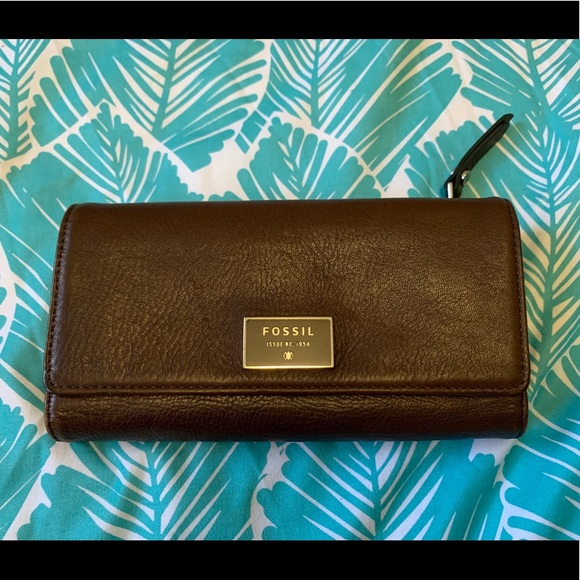 Fossil Handbags - 🌺Fossil wallet🌺